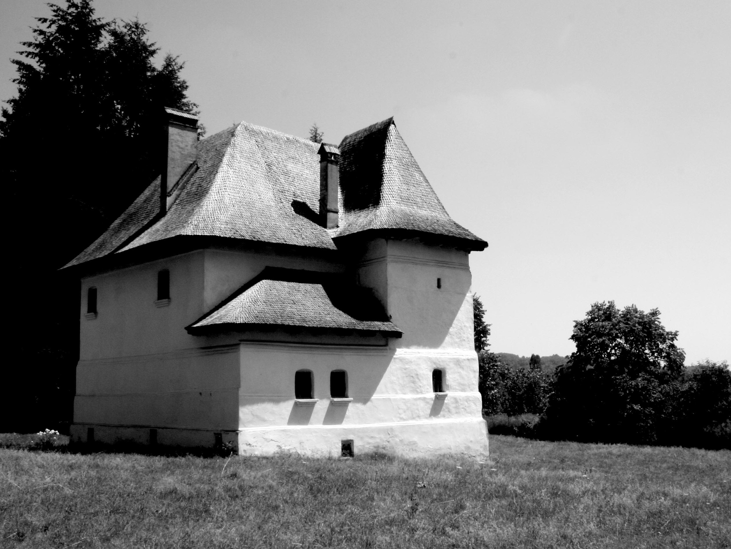 Kule romanian fortified houses my secret romania for Fortified house plans